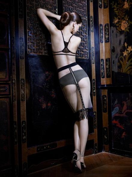 Лукбук осенне-зимней кампании бренда нижнего белья La Perla. Изображение № 20.