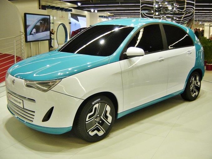 Концепт «ё-мобиля» на одном из автосалонов 2011 года. Изображение № 1.