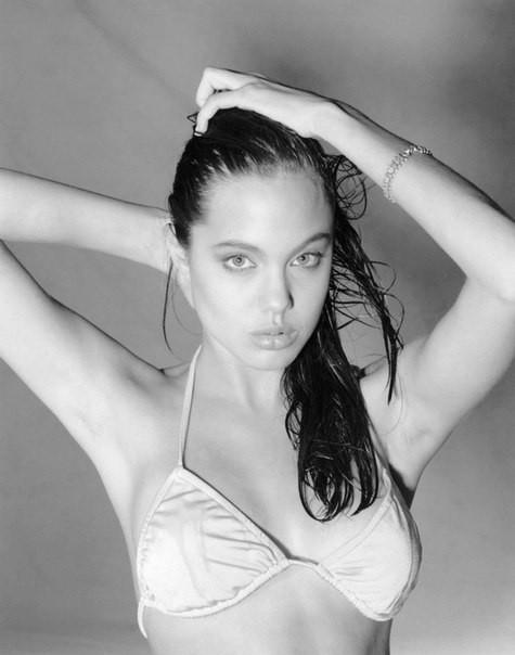 Первая фотосессия Анджелины Джоли. 1989 год. Изображение №8.
