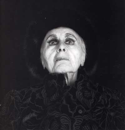 Луиза Невельсон. Черная величественность. Изображение № 1.