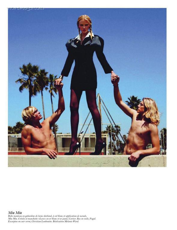 Съёмка: Аризона Мьюз, Лара Стоун, Наташа Поли и другие модели во французском Vogue. Изображение № 47.