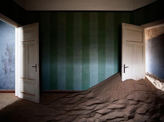 Изображение 1. Alvaro Sanchez-Montañes: город-призрак.. Изображение № 1.