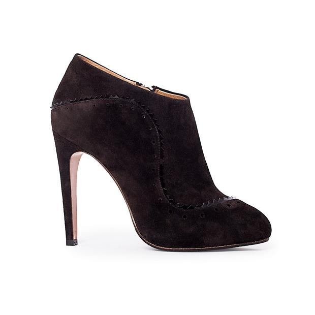 Дизайнер дома Alexander McQueen создал коллекцию обуви для CORSOCOMO. Изображение № 7.