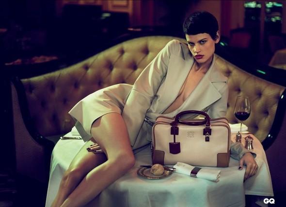 Кампания: Саския де Брау для Loewe. Изображение № 1.