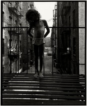 Bruce Davidson – красота гетто. Изображение № 52.