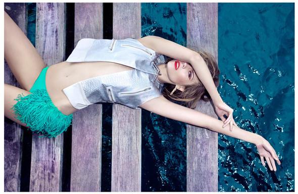 Съёмка: Марта Штрек для Elle. Изображение № 7.