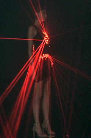Лазерные платья Хуссейна Чалаяна. Изображение № 1.