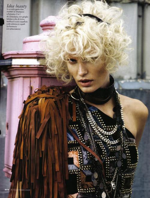 Каролин Винберг дляоктябрьского Elle Italia. Изображение № 8.