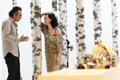 Альбер Эльбаз создал платье для Жюльет Бинош в «Мадемуазель Жюли». Изображение № 1.
