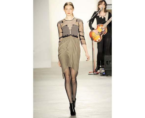 Неделя моды в Нью-Йорке: первые показы. Изображение № 83.