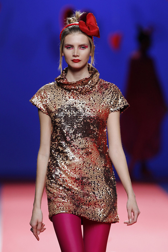 Испанцы Fall Winter 2011/2012: AGATHA RUIZ DE LA PRADA. Изображение № 26.