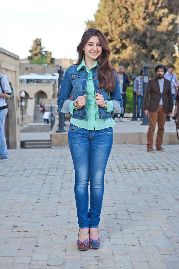 Baku Street Fashion | Spring 2012. Изображение № 24.