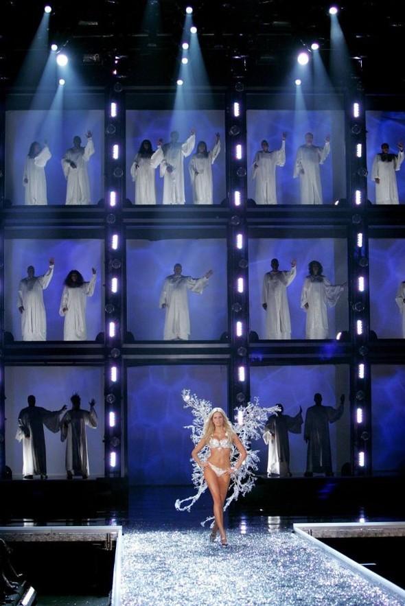 Victoria's Secret Lingerie Fashion Show 2008. Изображение № 23.