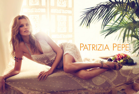 Кампания: Эдита Вилкевичюте для Patrizia Pepe SS 2012. Изображение № 1.