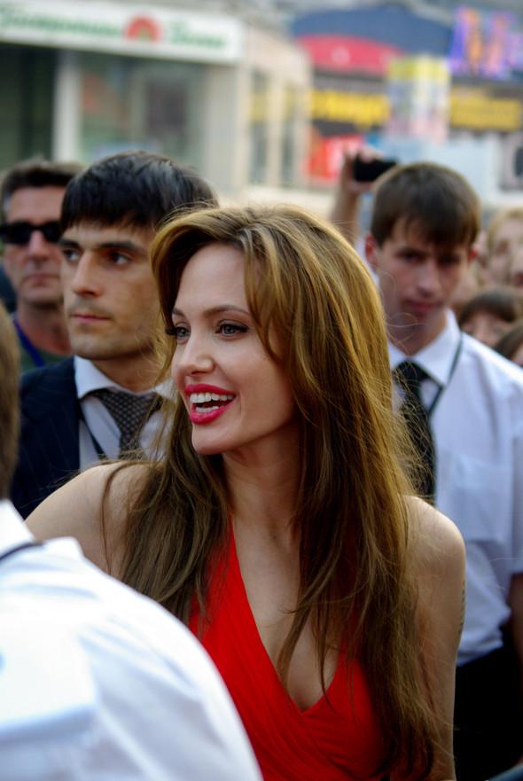 Анджелина нагревает Москву. Изображение № 9.