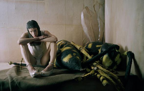 Съёмка: Кристен Макменами в объективе Тима Уокера. Изображение № 1.