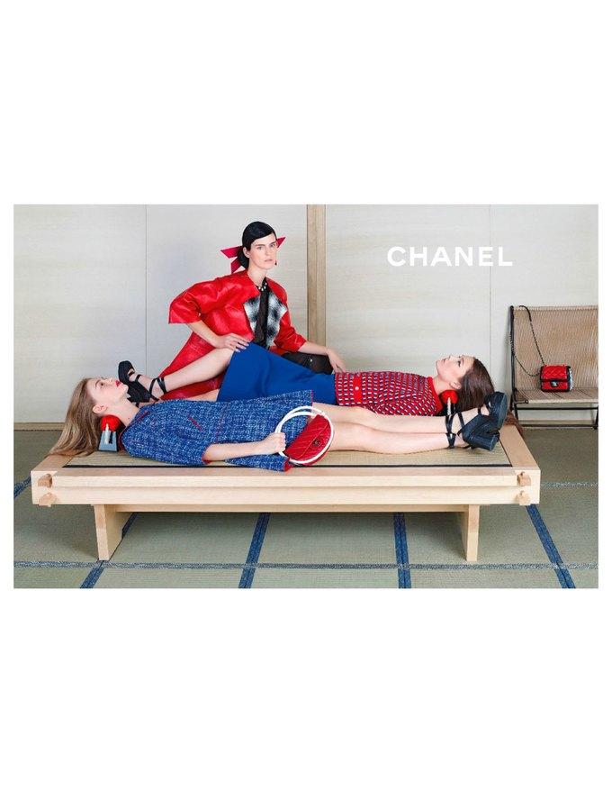 Chanel сняли несовершеннолетних моделей для новой кампании. Изображение № 3.