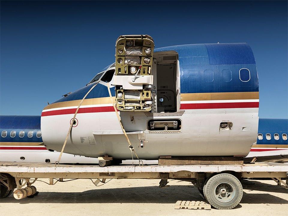 Кладбище самолётов  в выжженной пустыне . Изображение № 7.