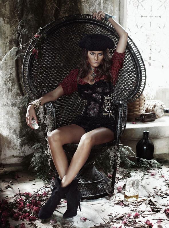 Съёмка: Изабели Фонтана для Vogue. Изображение № 3.