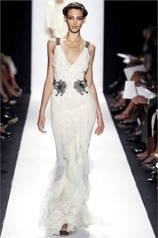 """""""Выбираем свадебное платье!"""" 93 идеи ведущих дизайнеров. Изображение № 18."""