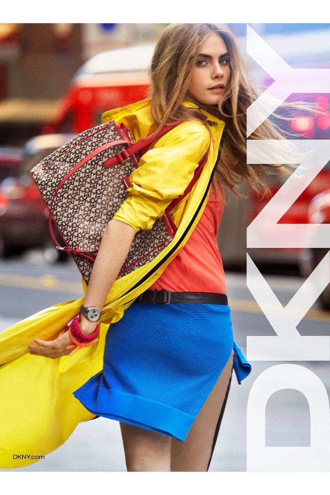 Alberta Ferretti, DKNY и Moschino показали новые кампании. Изображение № 2.