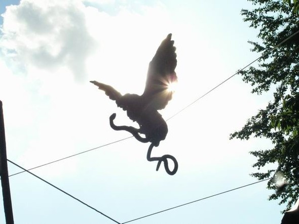 Скульптуры Джерзи Кедзиоры, парящие в воздухе. Изображение № 11.