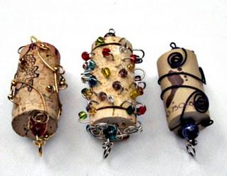 Новогодние украшения из винных пробок. Изображение № 7.