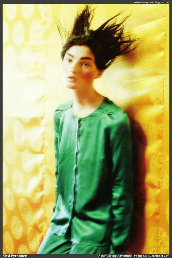 Съёмка: Тим Уокер для британского Vogue. Изображение № 5.
