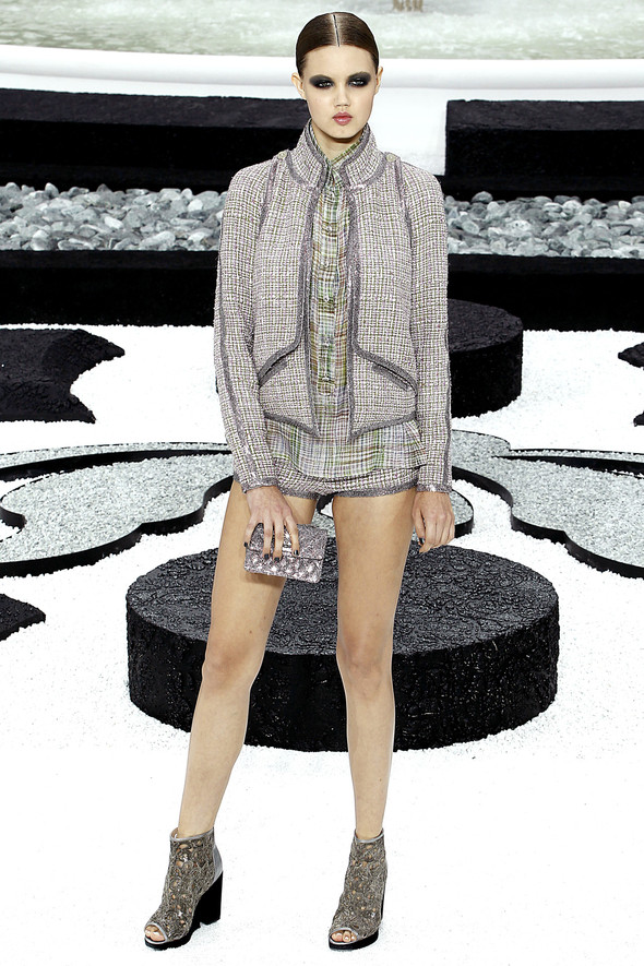 Карл Лагерфельд показал одну из самых красивых коллекций, когда-либо созданных для Chanel. Изображение № 22.
