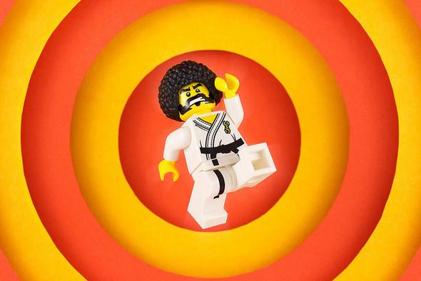 Крис Маквей и его игрушечный мир. Изображение № 5.
