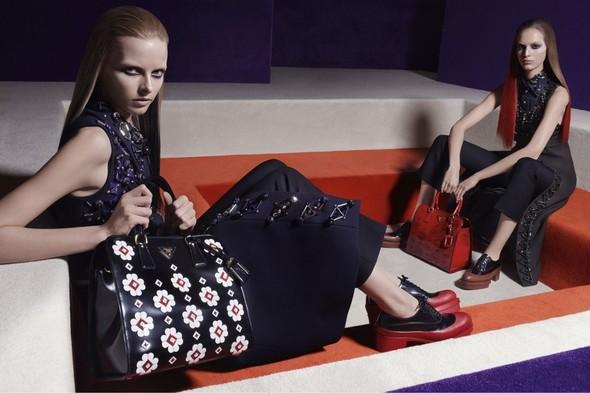 Превью кампаний: Prada, Louis Vuitton, Valentino и другие. Изображение № 1.