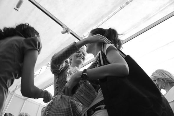 Изображение 29. За кулисами своего показа Мария Рыбальченко предсказала будущее, окунулась в прошлое, живя настоящим.. Изображение № 29.