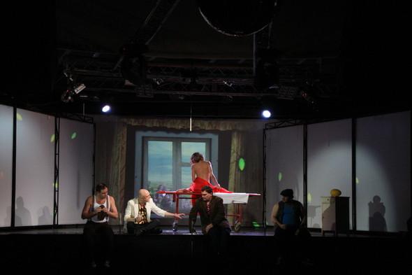 Театральное диво прошлой недели: Сны Василисы Егоровны Подеревянского. Изображение № 1.
