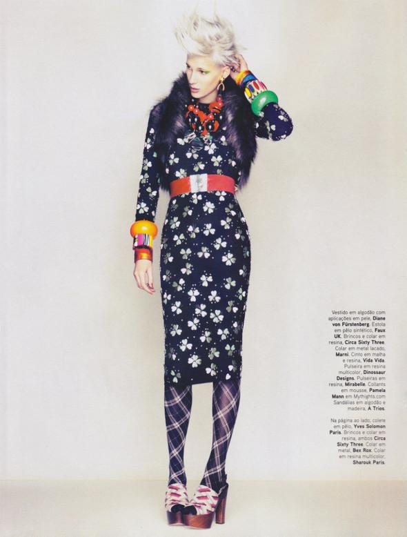 Съёмка: Сара Уэйл для португальского Vogue. Изображение № 6.
