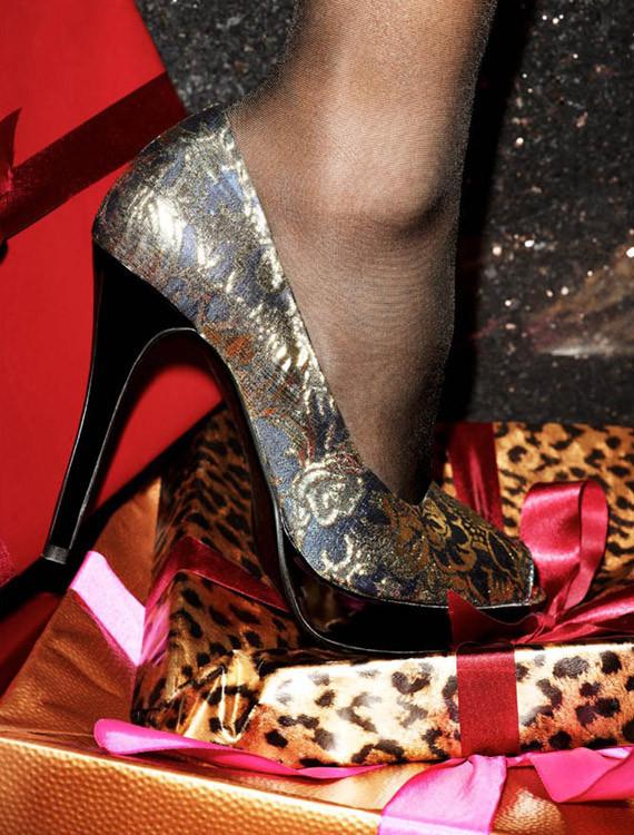 Сорока-воровка: лукбук новогодних украшений H&M. Изображение № 9.