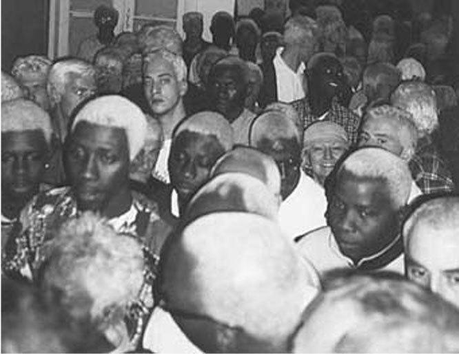 133человека, которые обесцветили волосы заденьги, 2001.. Изображение № 26.