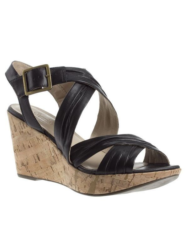 Изображение 38. Обувь: тренды лета 2011.. Изображение № 41.
