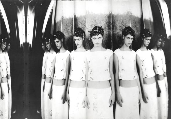 Архивная съёмка: Кампания Alberta Ferretti SS 1999. Изображение № 5.