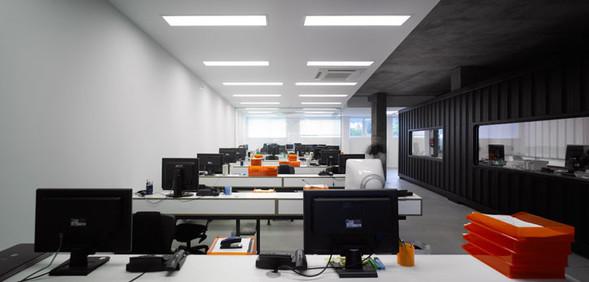 Офис испанской интернет-компании Dinahosting. Изображение № 7.