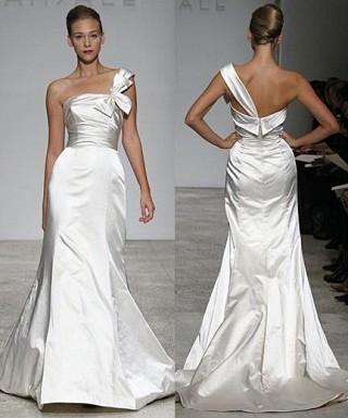 """""""Выбираем свадебное платье!"""" 93 идеи ведущих дизайнеров. Изображение № 49."""