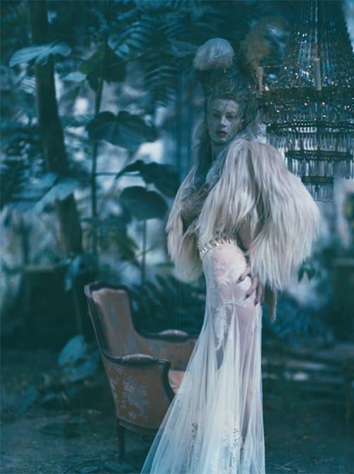 Архивная съёмка: Кристен МакМенами для Vogue Italia, сентябрь 2010. Изображение № 21.