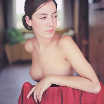 Части тела: Обнаженные женщины на фотографиях 1990-2000-х годов. Изображение №57.