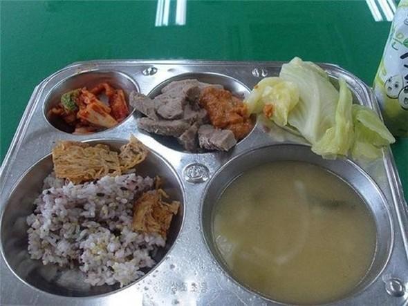 Школьные обеды в разных странах мира. Изображение № 2.