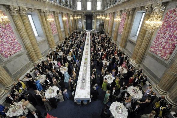 Свадьба шведской кронпринцессы Виктории. Изображение № 11.