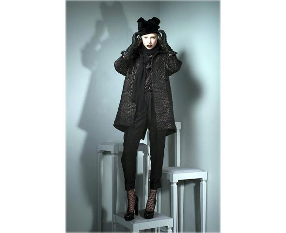 Новые коллекции: Acne, Dior, Moschino, Viktor & Rolf. Изображение № 44.