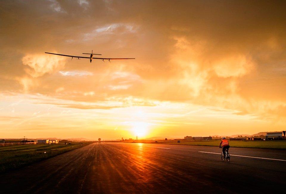 Первый самолёт  на солнечной энергии,  который долетит  на край света. Изображение №6.