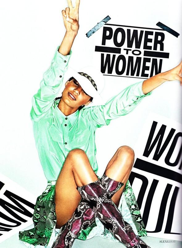 Съёмка: Джоан Смоллс для Elle. Изображение № 7.