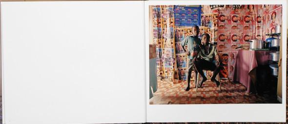 12 альбомов фотографий непривычной Африки. Изображение № 37.