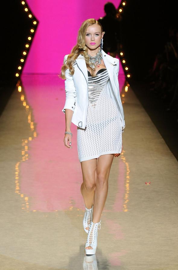 New York Fashion Week: Betsey Johnson Spring 2012. Изображение № 63.
