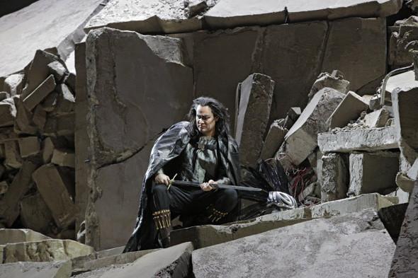 Prada создали костюмы для оперы. Изображение № 5.